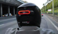 פנס בלימה חכם לשיפור בטיחות רוכבי דו-גלגלי