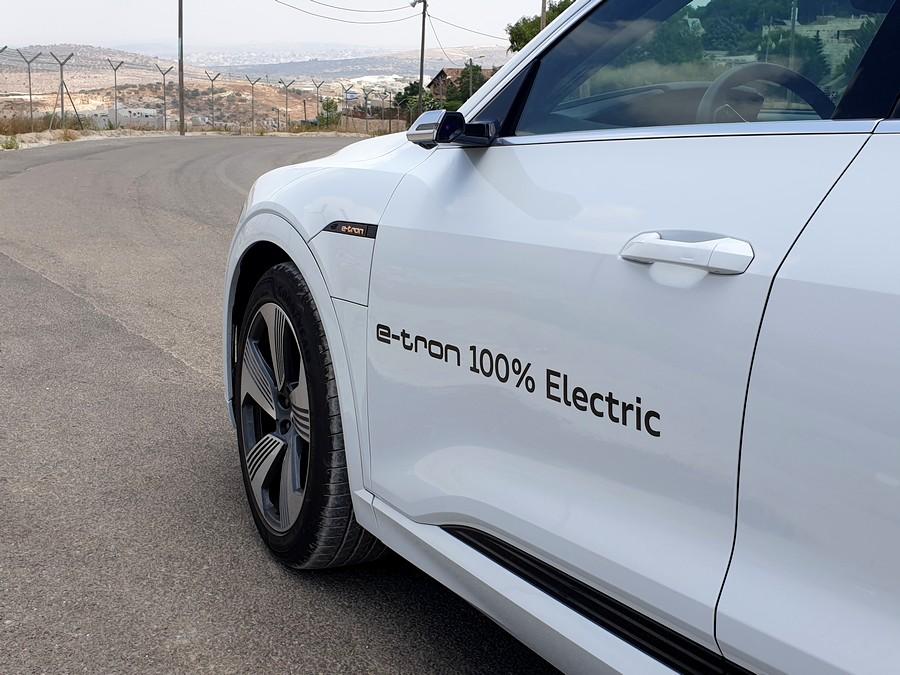 אאודי e-tron החשמלית