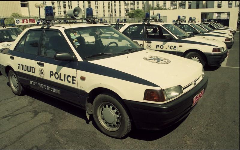 מאזדה 323 משטרה
