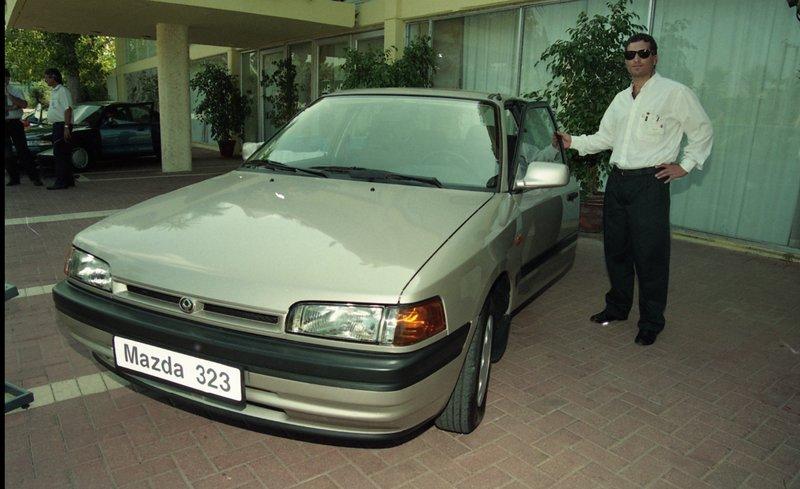 מאזדה 323 סדאן 1992-1997