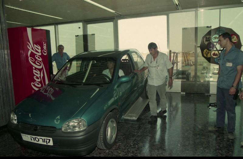 אופל קורסה 1994